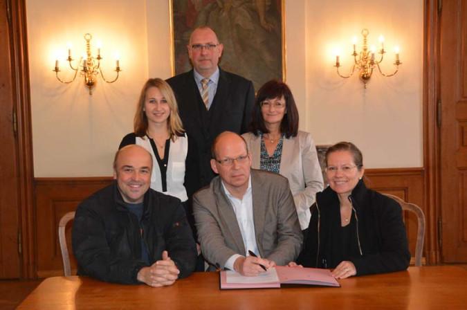 Kai Flender, Christian Herzog, Bürgermeisterin Stöcker, (2.Rheine von links nach rechts) Ann-Kathrin Brugger, Frank-Michael Littwin und Ute Steiner freuen sich über das neue Angebot in Schloss Beuggen.