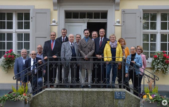 Gruppenbild: Vertreter der italienischen Vereinen aus beiden Rheinfelden sowie Vertreter der Politik treffen sich mit dem italienischen Konsul Ramaioli zum Austausch.Foto: H.Gollin