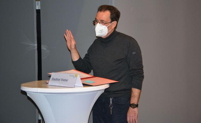 Klaus Weber bei der Verpflichtung.