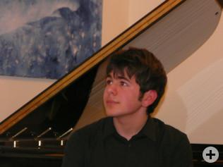 Ricardo Belvedere sorgte für musikalische Unterhaltung am Klavier.
