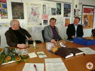 Bürgermeister Rolf Karrer, Kurt Renz und Hauptamtsleiter Hanspeter Schuler