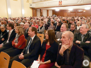 Der Saal war mit 550 Gästen gut gefüllt.