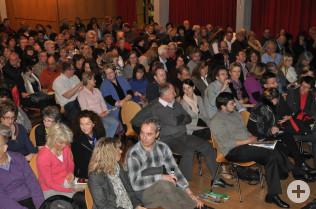 Rund 280 Leute waren zum Kabarett gekommen.