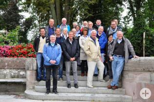Kulturamtsleiter Claudius Beck (vorne links), Oberbürgermeister Klaus Eberhardt (vorne Mitte) und Bürgermeister Rolf Karrer (vorne rechts) luden zur Schifffahrt nach Basel ein.