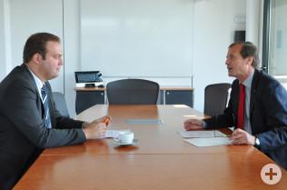 Abgeordneter Felix Schreiner (links) und Oberbürgermeister Klaus Eberhardt besprachen landespolitische Themen, die Rheinfelden (Baden) betreffen.