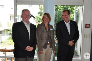 Hanspeter Schuler, Irene Lorenz und Oberbürgermeister Klaus Eberhardt (rechts)