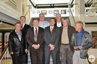 von links: Emil Franz (FW), Hanspeter Schuler, Paul Renz (CDU), Udo Düssel, Oberbürgermeister Klaus Eberhardt, Bürgermeister Rolf Karrer, Heinrich Lohmann (Grüne) und Michael Lewerenz (SPD)