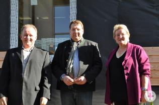 Hanspeter Schuler (links), Dr. Jürgen Rausch und Birgit Barth