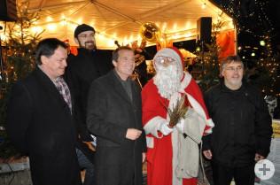 Dieter Maier, Matthias Wößner, Oberbürgermeister Klaus Eberhardt, der Weihnachtsmann und Joachim Kruse