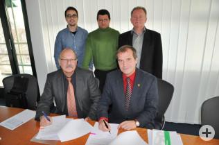 vorne: Hans Peter Seiboldt und Oberbürgermeister Klaus Eberhardt; hinten: Massimo Zuccolillo, Uwe Mühl und Hanspeter Schuler