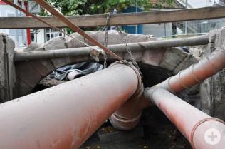 Während der Sanierung wurde der Bach durch Rohre umgeleitet.