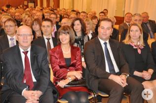 Bürgermeister Rolf Karrer mit Ehefrau und Landtagsabgeordneter Felix Schreiner mit Ehefrau