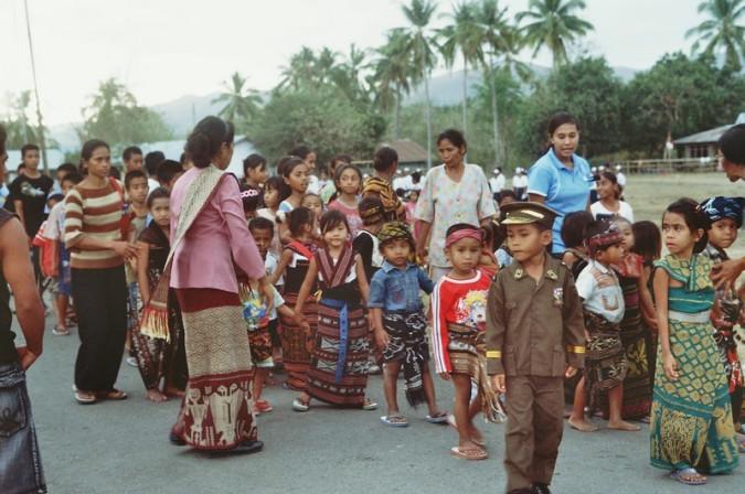 Kinderumzug durch den Ort bis zum Landrat.