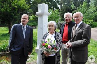 Oberbürgermeister Klaus Eberhardt, Gertrud Theilsiefje, Leonhard Eder und Karlheinz Hoppe