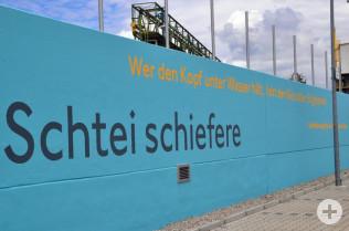 Die Rheinliebe kommt beim Wasserkraftwerk zum Ausdruck.