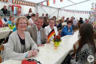 Sabine Hartmann-Müller, OB Klaus Eberhardt und Marei Hilmer, stellvertretende Bürgermeisterin in Schneeberg
