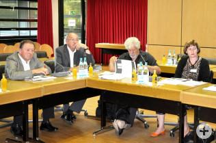 Paul Renz, Helmut Reif, Peter Scholer und Vize-Stadtammann Brigitte Rüedin