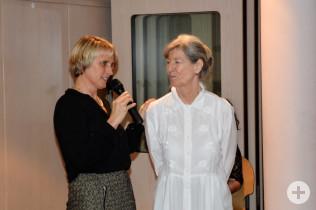 Irene Lorenz dankt Marga Lindenthal.