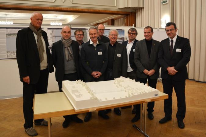 Die Wettbewerbs-Jury mit Oberbürgermeister Klaus Eberhardt (2. rechts) und Stadtammann Franco Mazzi (rechts)
